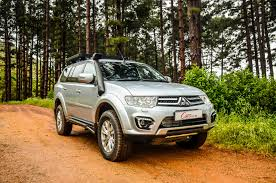 mitsubishi sports car 2015 mitsubishi pajero sport 2 5 shogun auto 2015 review cars co za