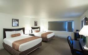 king room w seattle the grove west seattle inn updated 2017 prices u0026 motel reviews