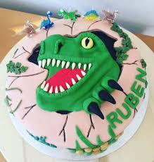 dinosaur birthday cakes dinosaur birthday cakes for kids popsugar birthday party