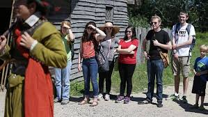 days before thanksgiving plimoth plantation workers to picket