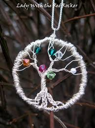tutorial for making a family tree pendant using wire and beads