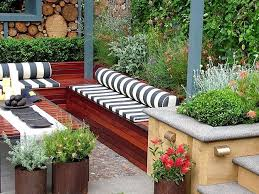 Small Garden Space Ideas Small Garden Ideas And Tips How To Design Gardens In Limited Spaces