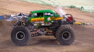 grave digger monster truck 30th anniversary monster jam freestyle max d martial law grave digger avenger