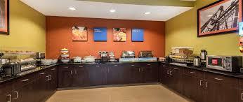Comfort Inn Kc Airport Comfort Inn U0026 Suites Near Worlds Of Fun Kansas City Mo