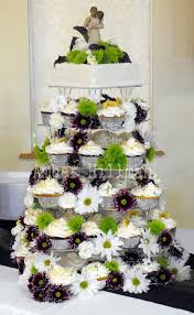 wedding cupcake tower wedding cupcake tower decorated with daisies