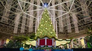 christmas at gaylord palms resort orlando christmas events