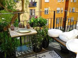 Real Home Decor by Decorating Your Apartment Balcony