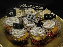 hollywood themed cupcakes with fondant cupcake toppers
