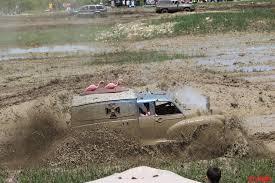 monster mud truck videos videos and pics barnyard boggers