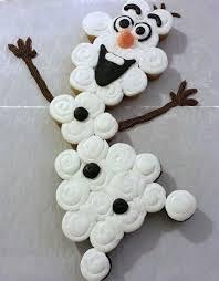 Christmas Cake Decorations Frozen by Best 25 Frozen Cupcake Cake Ideas On Pinterest Frozen Birthday