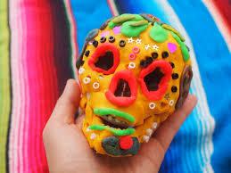 dia de los muertos sugar skulls play doh dia de los muertos sugar skull kids craft pink stripey