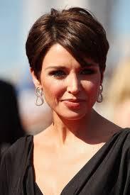 coupe femme cheveux courts les 25 meilleures idées de la catégorie coiffure femme 50 ans sur