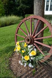 Metal Garden Flowers Outdoor Decor Outdoor Decorations Wagon Wheels Pinterest Decoration Wagon