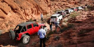 jeep grand cherokee srt offroad 2017 jeep grand cherokee trailhawk review caradvice