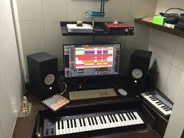 small music studio list of 10 equipments you need to start a small music studio in