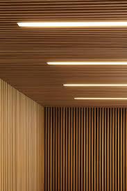 panneaux acoustiques bois lambris mural design et panneaux déco en lamelles de bois