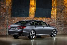 old honda accord three things we love about the 2018 honda accord automobile magazine