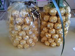 hochzeitsgeschenke einpacken anleitung für eine ferrero rocher ananas palme sr decoration