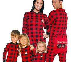 deck the family in matching pajamas yoyomama