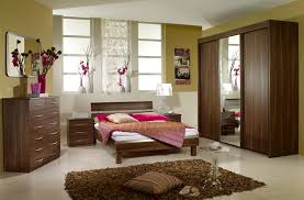 Bedroom Furniture Designers by Bedroom Decorating Ideas With Brown Furniture Craft Room