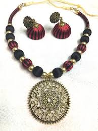 necklace pendant making images Silk necklace jpg