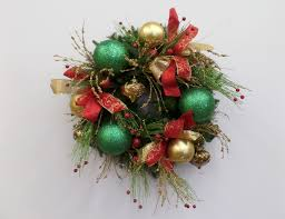 show me a red green and gold christmas wreath diy show me