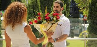 flower delivery service globes gett launches flower delivery service