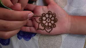 Simple Mehndi Designs For Babies