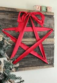 Wood Project Ideas For Christmas by Best 25 Christmas Wall Decorations Ideas On Pinterest Holly