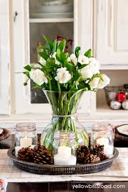 Centerpieces For Christmas by Pine Cone Centerpieces You Can Make For Christmas