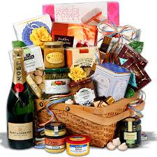 gift baskets for couples christmas gift baskets mothers basketsmothers gift basketsgift ideas