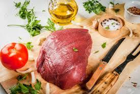 cuisiner du boeuf en morceaux cuisiner le filet de filet de boeuf grand morceau entier de filet