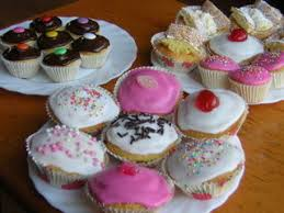 small cake small cakes are the icing on the uk cake market fab news