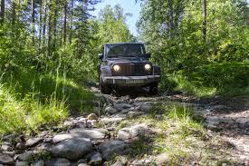pros and cons jeep wrangler pros and cons of 4 4 and 4 2 drivetrains