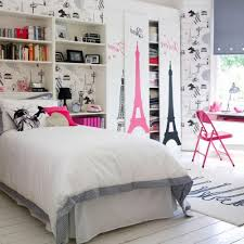 beautiful image of bedroom design and decoration using large