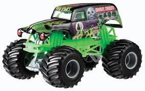 original grave digger monster truck amazon com mattel wheels monster jam 1 24 grave digger die