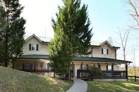 17 bedroom bedrooms smoky mountain cabin rentals oak tree lodge 3