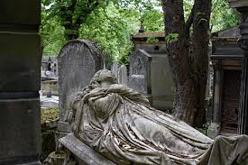 cemetery statues statues of women in the père lachaise cemetery wikimedia commons