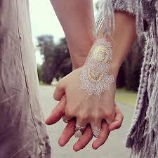 30 stunning white henna inspired tattoos that look like elegant