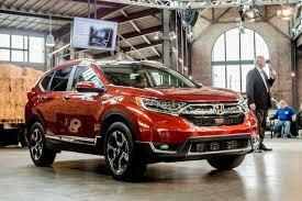 Honda Crv Interior Dimensions Here U0027s How Honda U0027s 2017 Cr V Stacks Up Against Rivals Roadshow
