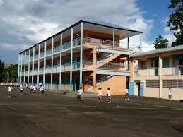 fermeture des bureaux de vote fort de fermeture de toutes les écoles de la ville ce