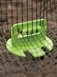 net claws set of 10 bird netting anchors garden netting pins