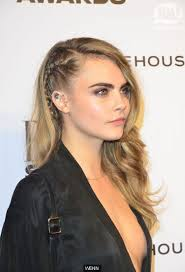 shoulder lengh hair but sides have snapped what hairstyle make it look better cara delevingne rages at paparazzi who snapped her snogging
