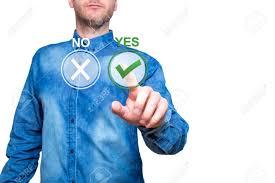 bureau oui oui la de l homme appuie sur le bouton oui concept de prise de