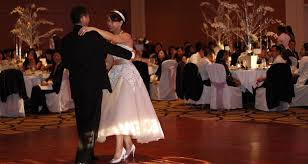 wedding djs brides are telling wedding djs not to play these songs