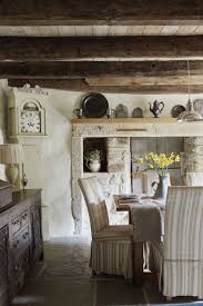 Hobbit Home Interior by Best 25 Tudor Decor Ideas On Pinterest Tudor Homes Tudor Style