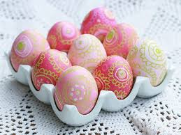 pink easter eggs easter egg decorating ideas dyeing wax pink green