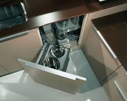 tiroir angle cuisine les rangements dans la cuisine des angles rusés inspiration