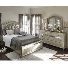Bedroom Queen Furniture Sets Serena Queen 5 Piece Bedroom Set Platinum Value City Furniture