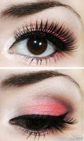 eye makeup make eyes look bigger